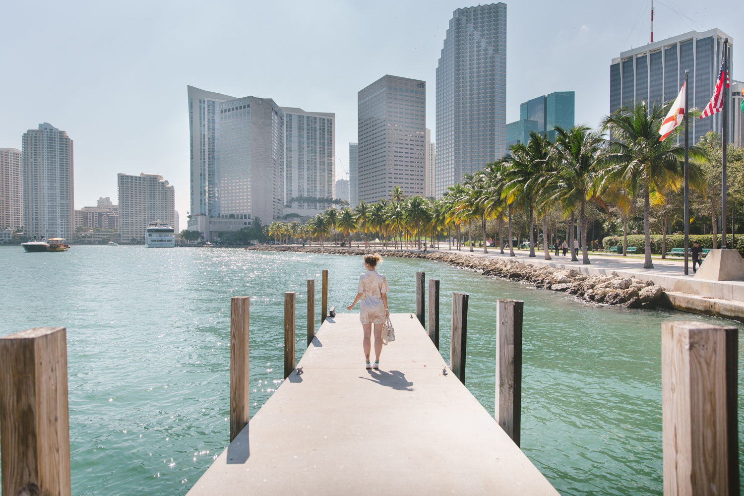 Downtown MIami in November - Tatiana Biggi blogger Tati loves pearls