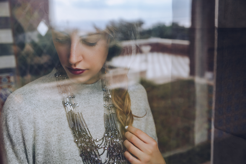 Tatiana Biggi blogger Tati loves pearls for Keel Magazine
