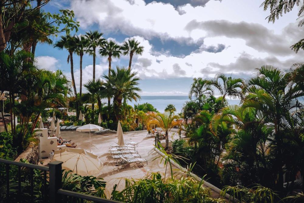 La piscina dell'Hotel Jardin Tecina