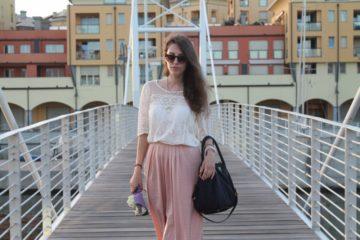 Marshmallow - le luci del tramonto e un outfit nei toni pastello