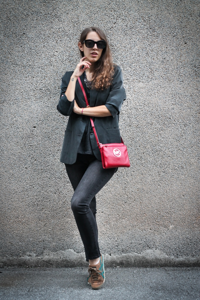 Tatiana Biggi - Tati loves pearls - outfit inverno - outfit autunno - total black fashion blogger