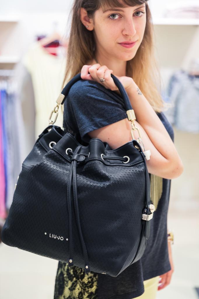 shopping durante i saldi - sales shopping - bucket bag - Liu jo borsa - shopping a Genova - Giglio Bagnara Genova - Tatiana Biggi