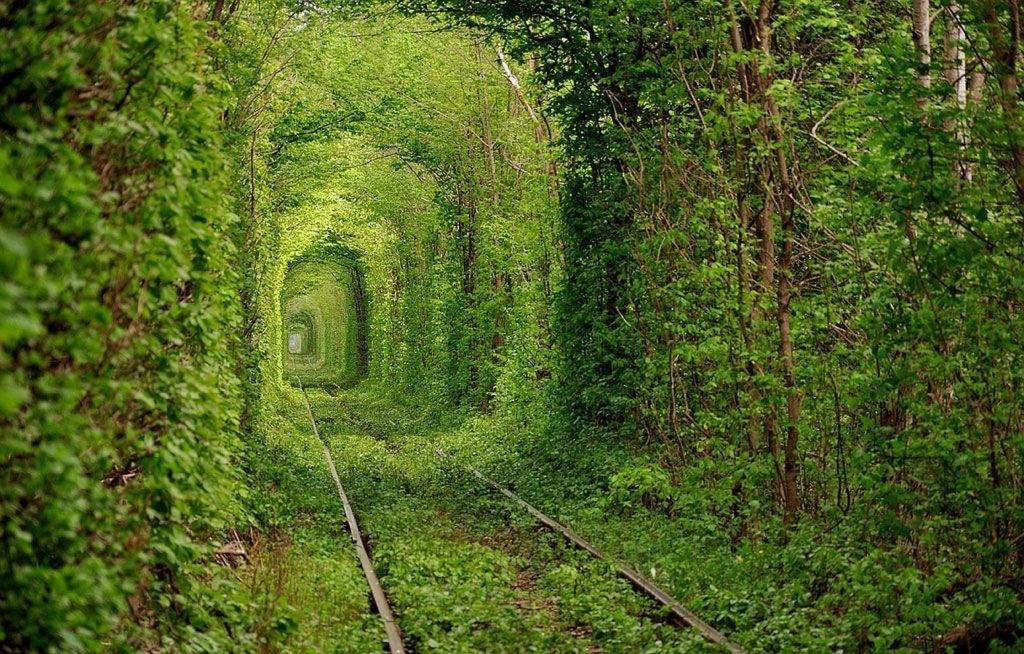 posti da vedere nel mondo - Pic du Midi - travel - travel inspirations - Tatiana Biggi Tunnel dell'amore