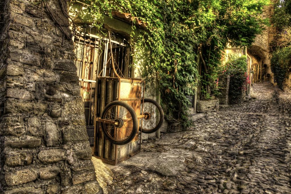 POSTI DA VEDERE IN ITALIA - VIAGGIARE IN ITALIA - ITALIA TRAVEL EXPERIENCE - BUSSANA VECCHIA