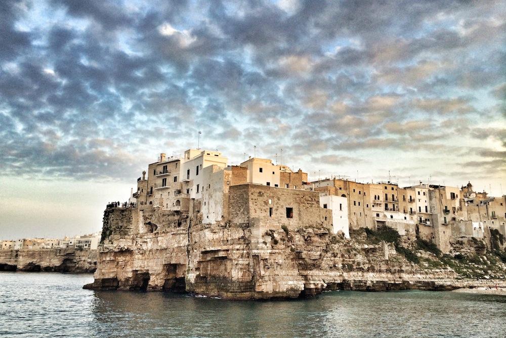 POSTI DA VEDERE IN ITALIA - VIAGGIARE IN ITALIA - ITALIA TRAVEL EXPERIENCE - POLIGNANO A MARE