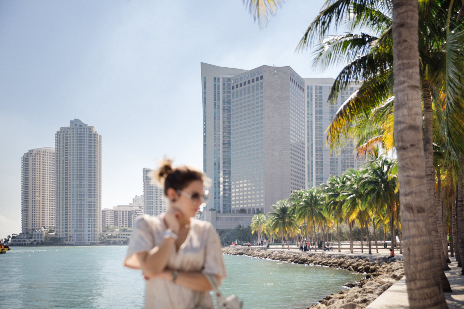 Downtown MIami in November - Tatiana Biggi blogger Tati loves pearls wearing an Asos dress