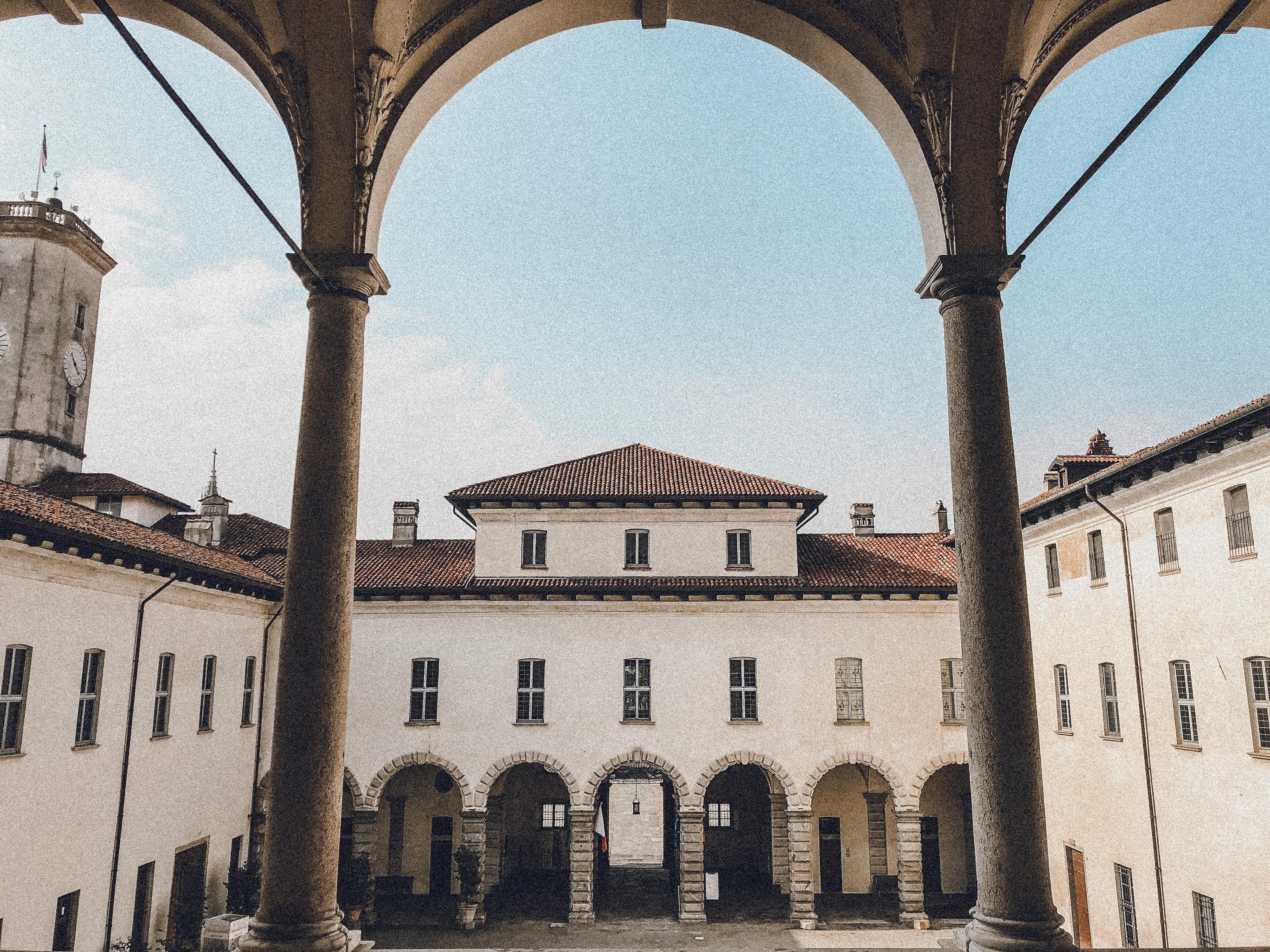 Palazzo Arese Borromeo, Cesano Maderno
